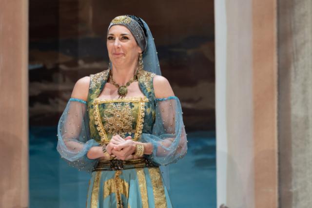 Camilla Bull, mezzo soprano, Isabella, Rossini L'Italiana in Algeri Hilaire Smits
