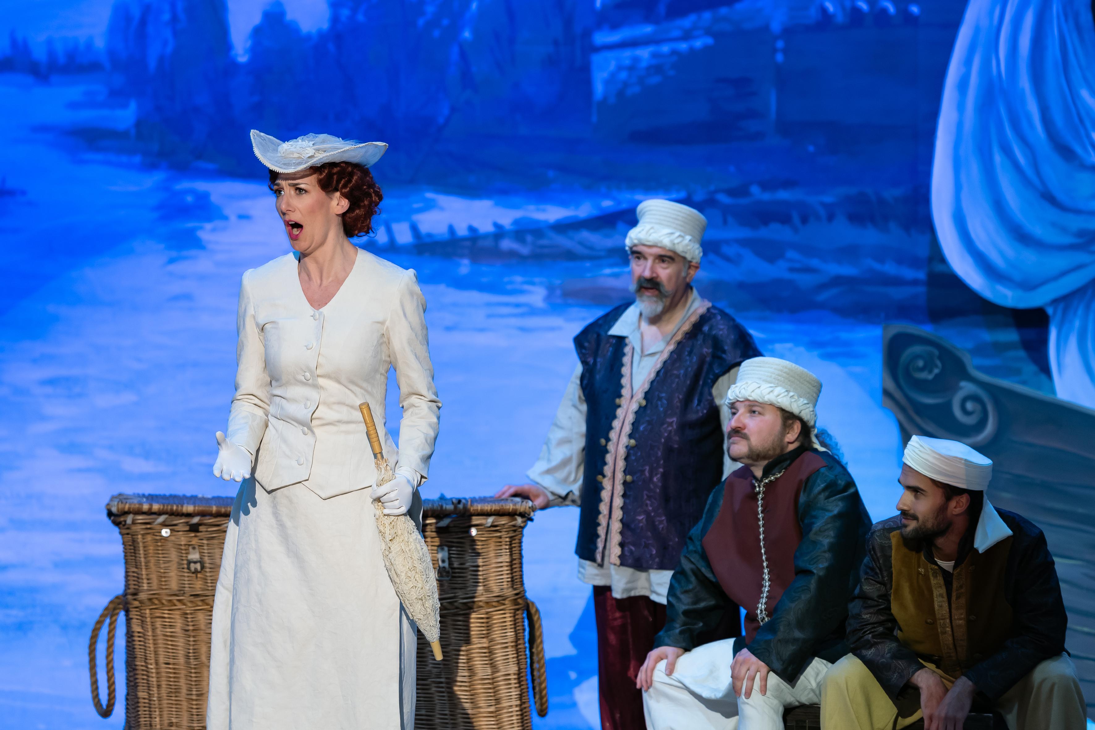 Camilla Bull, mezzo soprano, Isabella, Rossini L'Italiana in Algeri Cruda sorte  Hilaire Smits